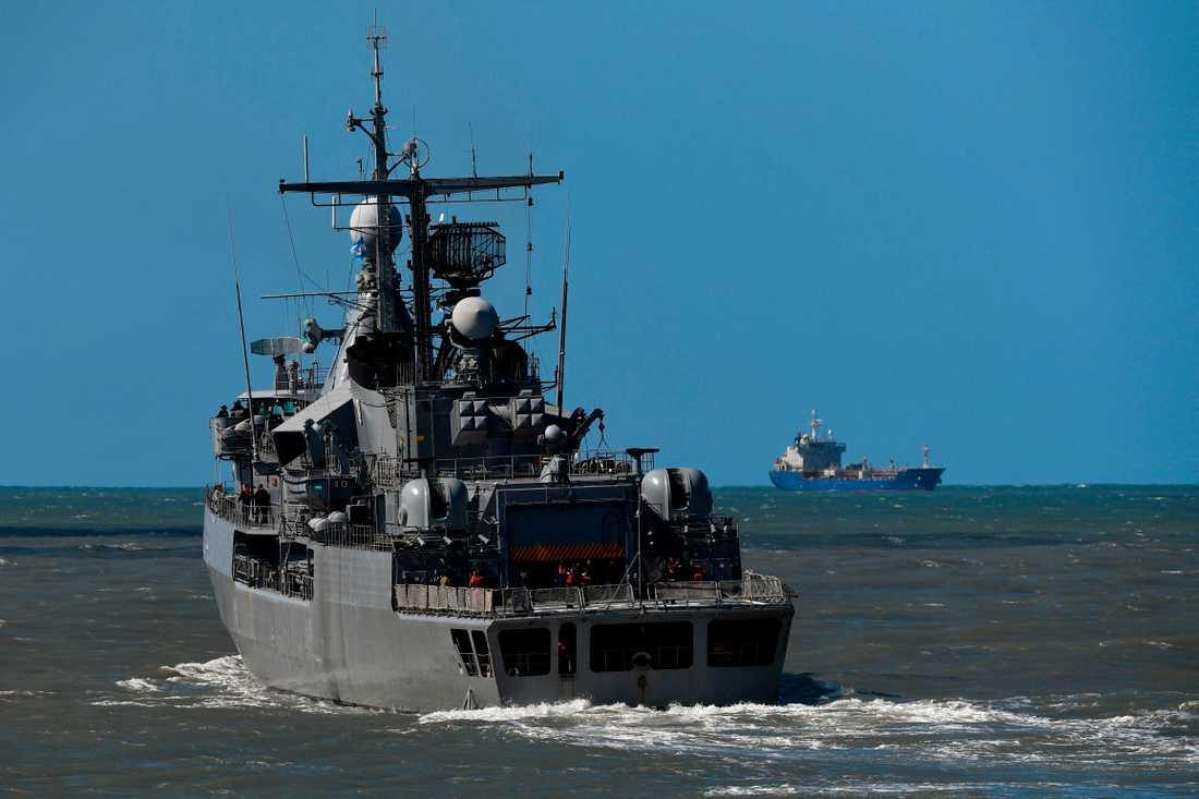 Argentinska marinen söker efter ubåten.