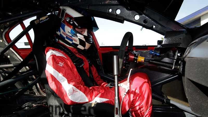 Jan Magnussen har opererats för njursten och tvingats byta sin BMW mot en Chevrolet inför stadsloppet i Göteborg.