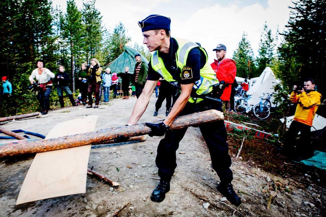 Gruvkonflikten i Kallak utanför Jokkmokk sträcker sig flera år tillbaka, och har kantats av demonstrationer, protester och blockader för provborrningar till gruvan. Här vid en protestaktion 2013. Arkivbild.