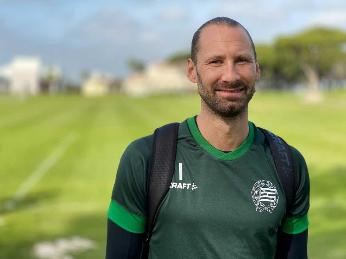 Johan Wiland har konkurrens på målvaktspositionen i Hammarby.