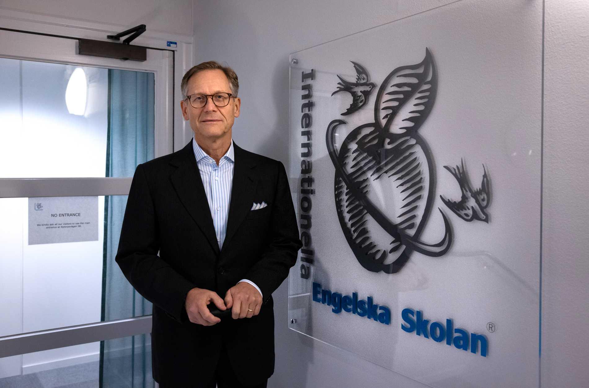 Fonden Paradigm Capital, med finansmannen Jan Hummel i spetsen, ligger bakom köpet av Internationella engelska skolan.