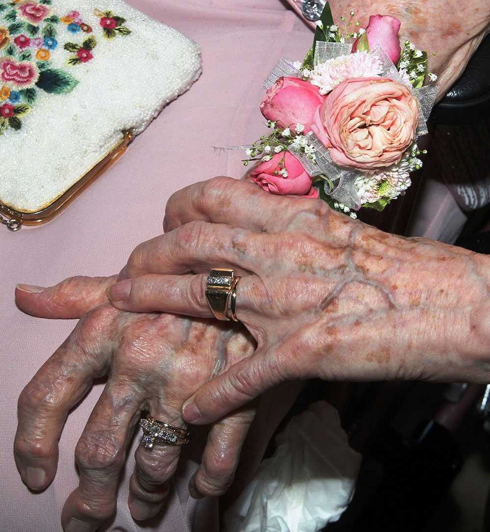 Det är aldrig för sent att gänga sig –fråga bara Vivian, 91, och Alice, 90.