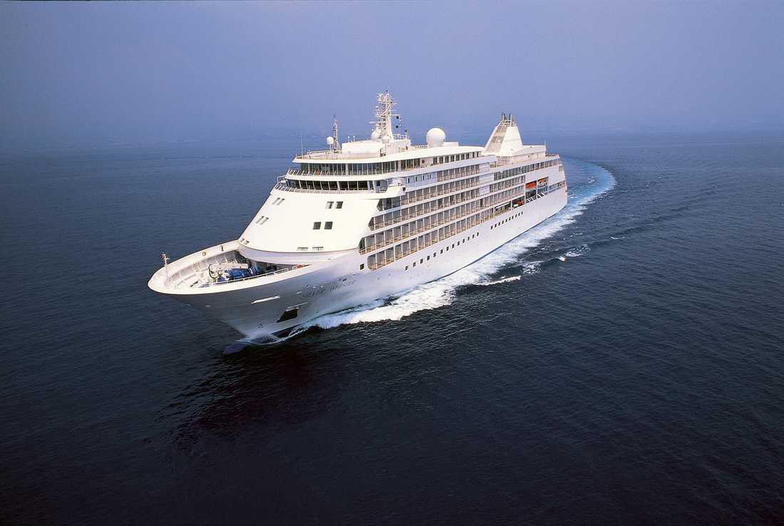7. SILVER WHISPER (1749 poäng) Silver Whisper är snäppet mindre än Silver Spirit. Det 186 meter långa fartyget tar 382 gäster, som bland annat kan njuta av fri champgne ombord.