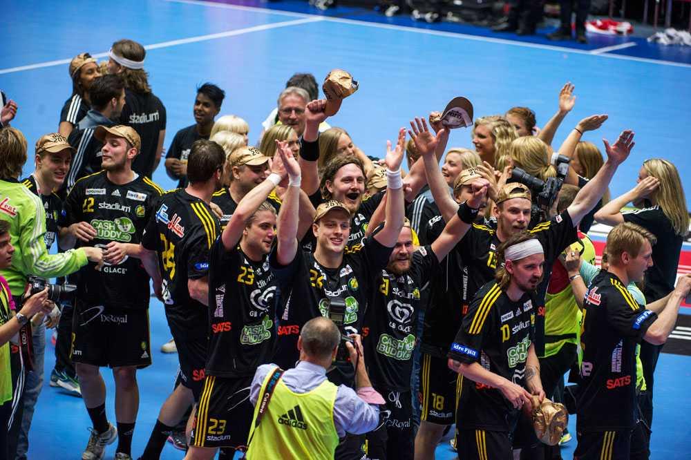 Sävehof firar SM-guldet 2012 - nästa år blir det ingen segerfest i Malmö då handbollsfinalen måste flytta.