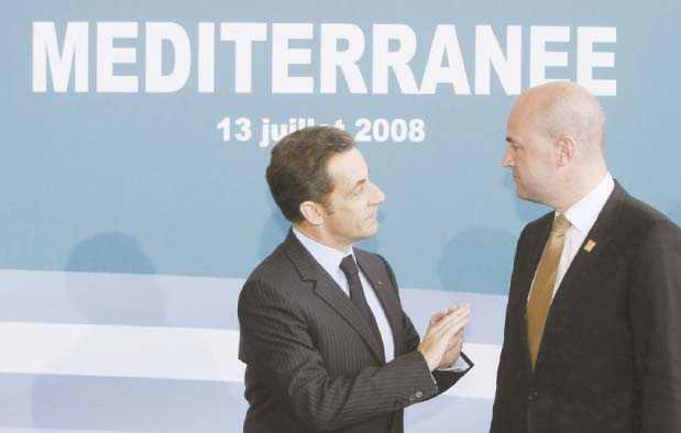 I rampljuset I och med det svenska ordförandeskapet är det mycket fokus på Fredrik Reinfeldt. Sarkozy borde då ta tillfället i akt och fråga Reinfeldt varför han inte håller det han lovar.