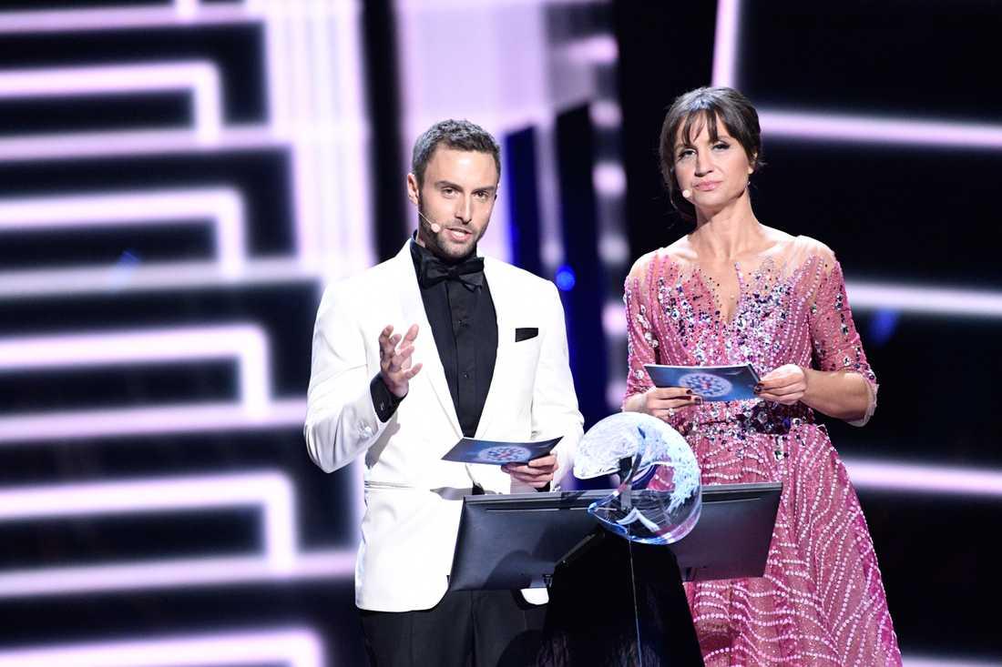 Måns Zelmerlöw med Petra Mede i Eurovision.