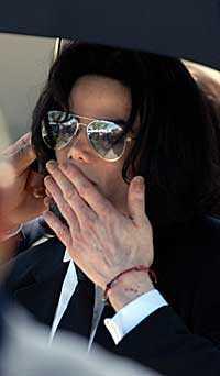 Michael Jackson tänker ändra livsstil efter den friande domen. Han ska sluta sova med pojkar, hävdar Jacksons advokat, Thomas Meserau.
