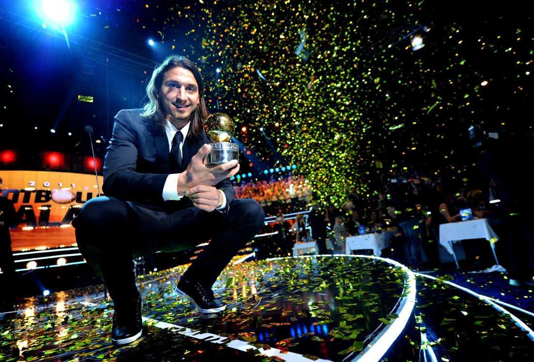 """2011: Zlatan Ibrahimovic, Milan Juryns motivering: """"Zlatan Ibrahimovic får guldbollen för sina insatser i landslaget och i klubblaget Milan. Under oerhörd press har han fortsatt att vara en självskriven och självlysande ledare för ett lag på yppersta nivå, och lagt ytterligare mästerskap till en redan mästerlig samling."""""""