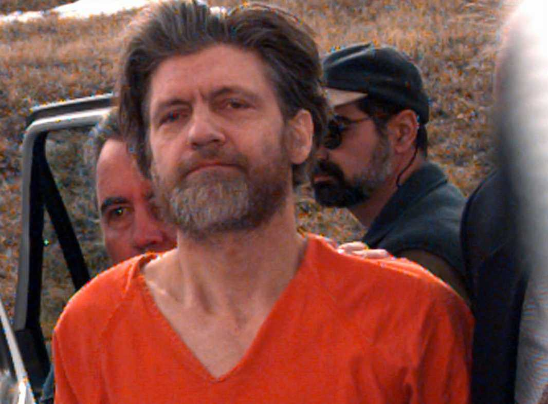 """Ted Kaczynski, eller """"Unabombaren"""", på väg till rättegången 1996."""