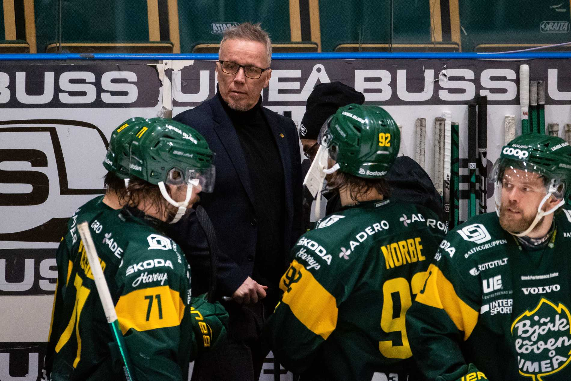 Björklövens tränare Hans Wallson under en match mellan Björklöven och Modo i januari.