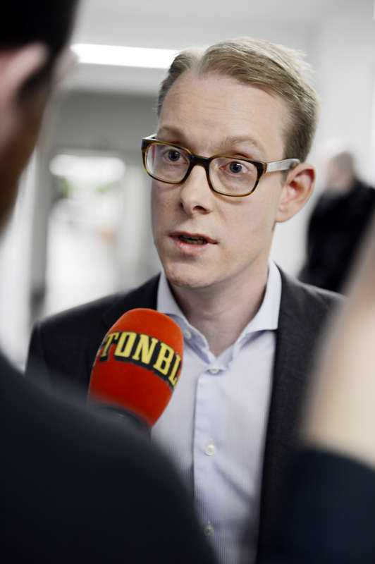 VILL MINSKA INVANDRINGENMigrationsminister Tobias Billströms (M) uttalande har rört upp känslor. Och nu senast från Sverigedemokraterna som i går skickade ut ett pressmeddelande där de anklagade Alliansen för plagiat.