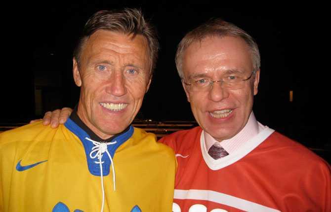 Internationella ishockeyförbundet röstade fram århundradets All Star-femma 2008. Börje Salming och Vjatjeslav Fetisov utsågs till århundradets backpar.