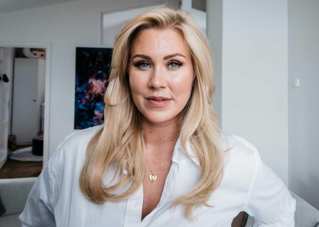 I P1 berättade Isabella Löwengrip om sin barndom – nu har mamman anmält programmet.
