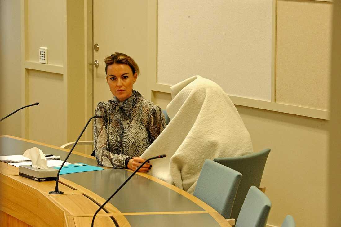 Häktningsförhandlingar mot den 15-åriga flickan i Sola tingsrätt