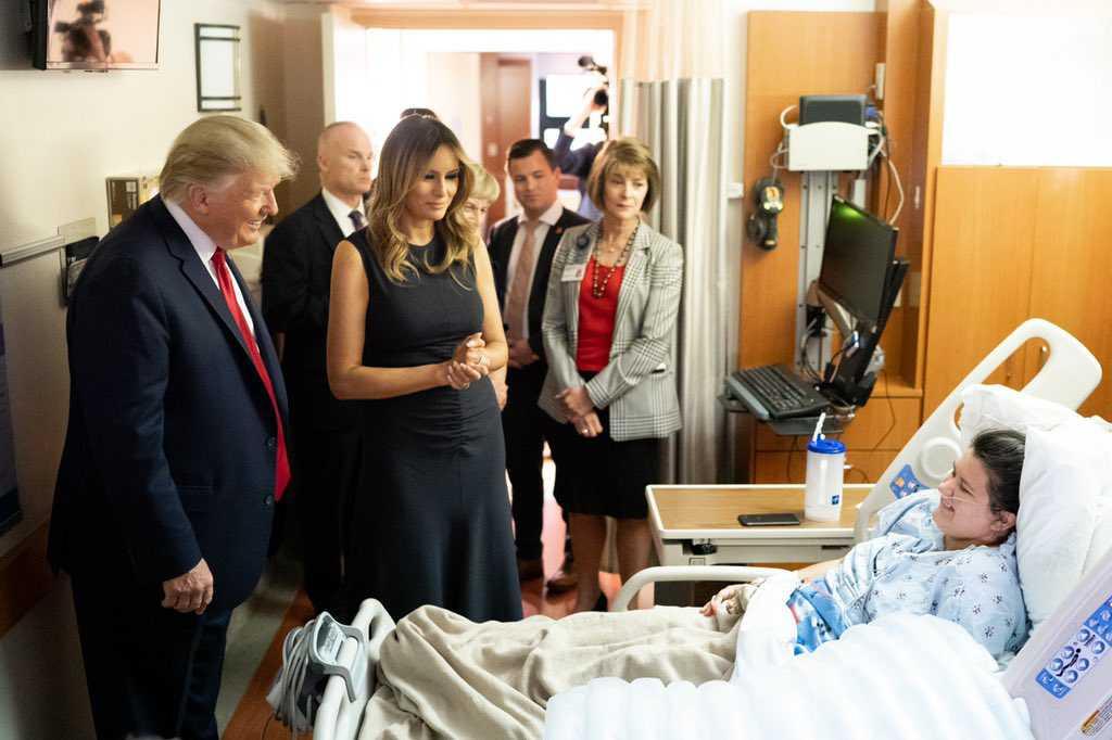 Donald Trump på sjukhuset i Dayton.