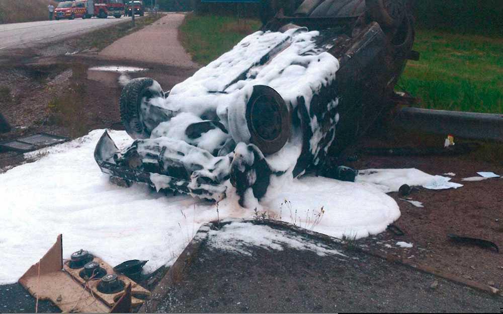 Bilder på olycksplatsen den 23 juli 2017 på Västkusten då en rattfull gärningsman kör ihjäl sin medpassagerare.
