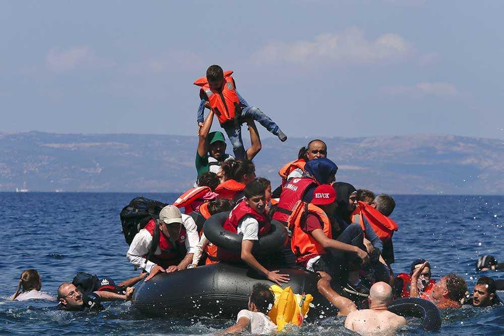 Flyktingar i nöd på Medelhavet.