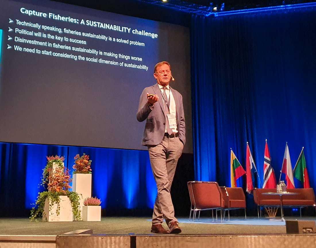 Manuel Barange, chef för FN-organet FAO:s avdelning för fiske och vattenbruk, håller tal på det internationella havsforskningsrådet Ices konferens i Göteborg.