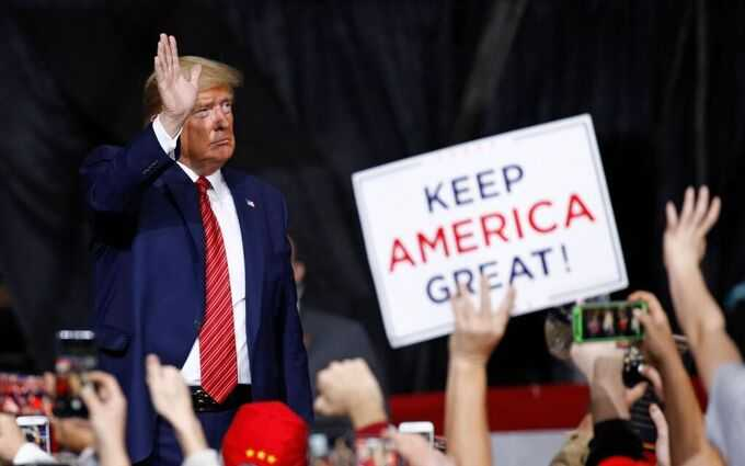Trump efter kampanjmötet i South Carolina.