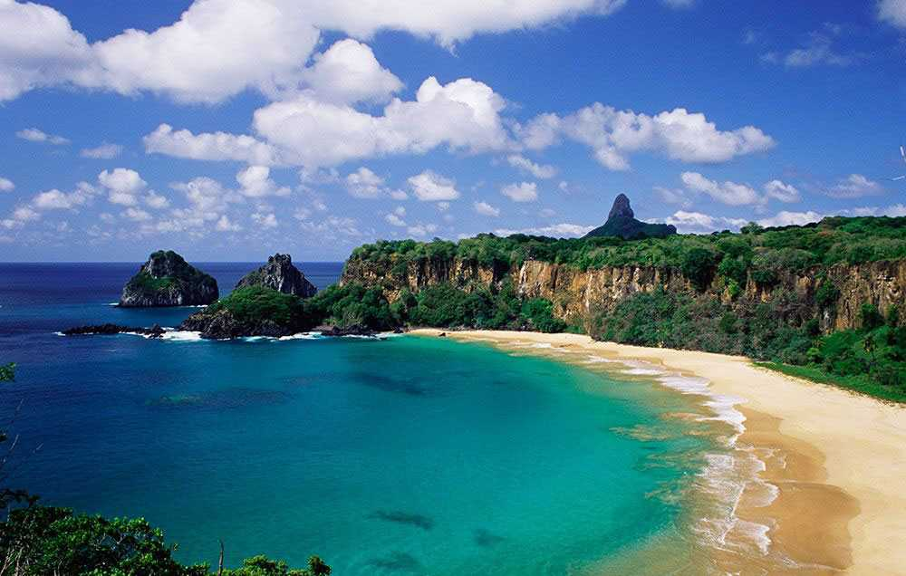 Baia do Sancho i Brasilien är världens bästa strand enligt Tripadvisor.