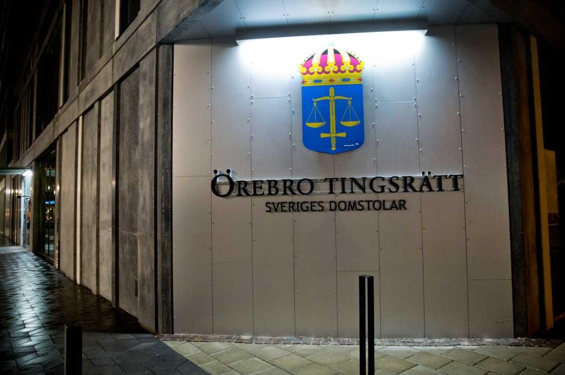 Mannen har nu dömts till fängelse i Örebro tingsrätt.