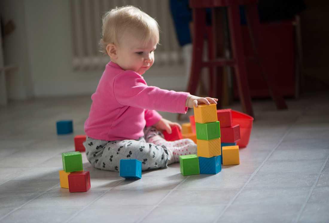 Barn som leker. Bilden har ingen koppling till artikeln.