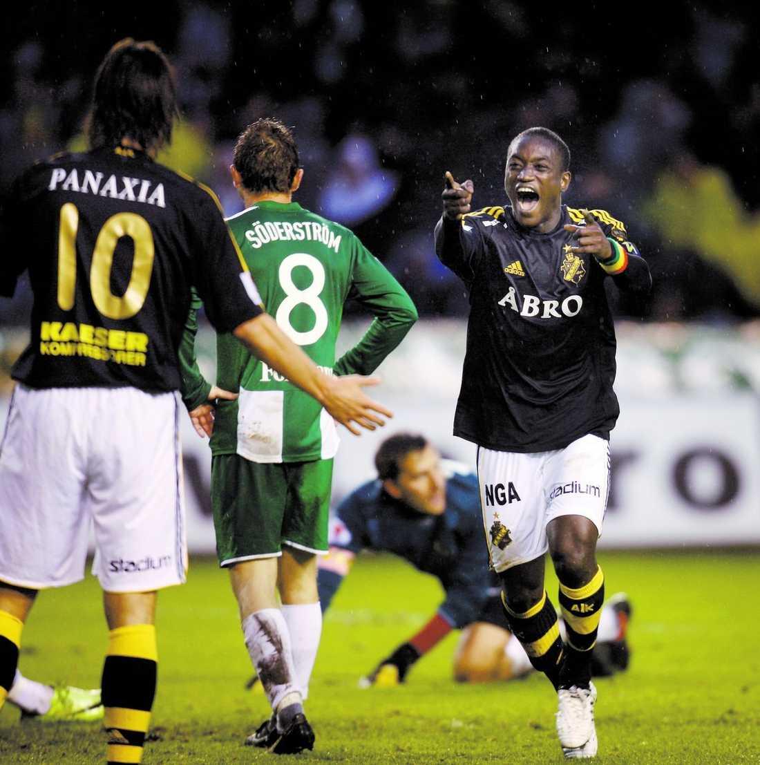 """TREDJE RAKA AIK:s Saihou Jagne jublar efter att ha gjort matchens enda mål i derbyt mot Hammarby. Nu har Gnaget vunnit tre raka derbyn under 2009 – och två av dem har 23-årige Jagne avgjort. """"Det var helt underbart"""", sa han efter segern på Råsunda."""