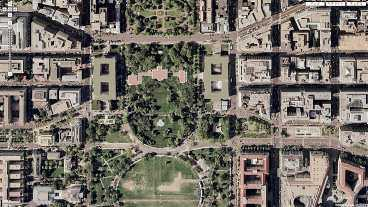 ...men usa censurerar foton över vita huset Den amerikanske presidentens bostad Vita huset i Washington DC syns bara som en skugga på satellitbilderna.