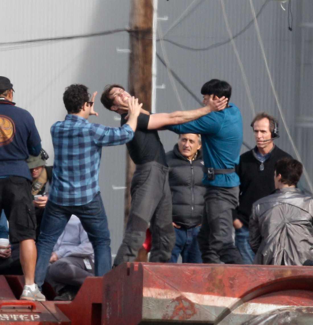 Här slåss världens snyggaste man med Zachary Quinto som spelar Spock i en scen ut nya Star Trek-filmen. Men vem är han?
