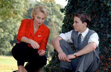 """Rollo Weeks har huvudrollen som 16-årige Jack. Helena Bergström har en dubbelroll och spelar hans mamma, som har dött, och hennes okända syster. Colin Nutley berömmer både de engelska och svenska skådespelarna: """"De är fantastiska"""", säger han."""