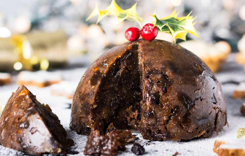 En engelsk klassiker, Christmas pudding finns hemma hos Tareq Taylor under julhelgen.