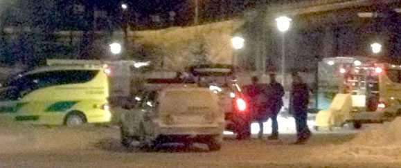 En man hittades död i en bild i centrala Säffle och en annan man anhölls senare för mord.