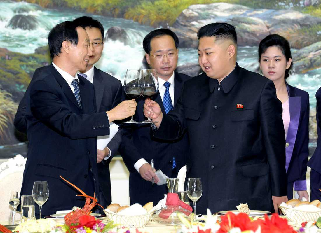 Trump är helnykterist medan Kim Jong-uns uppges vara förtjust i åtminstone vin. Här vid ett möte 2012.