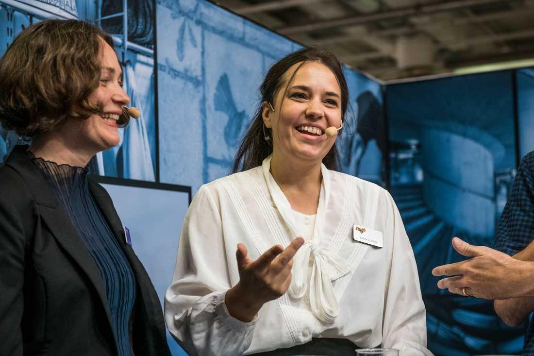 Expressens kulturchef Karin Olsson på Bokmässan 2018. Till vänster Svenska Dagbladets kulturchef Lisa Irenius.