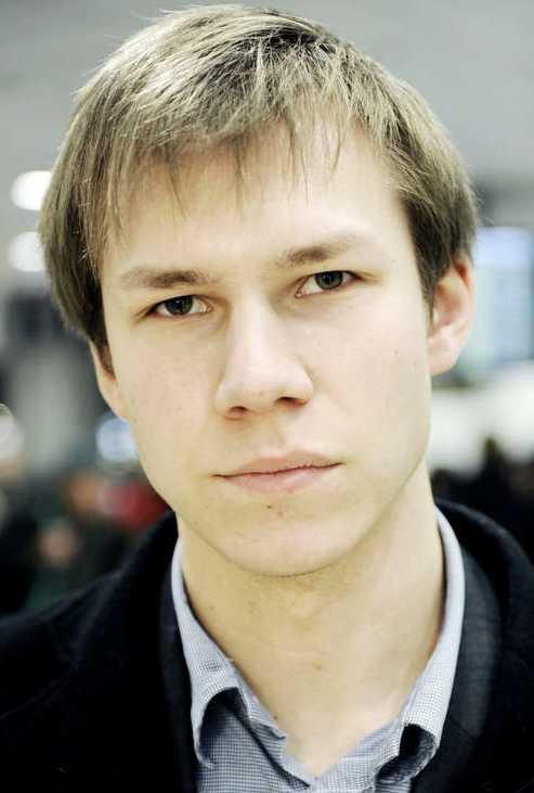 """Alexander Fridbacks närmaste chef är SD:s migrationspolitiska talesperson Markus Wiechel. """"Vad han gör på sin fritid får han svara för"""", säger Wiechel."""