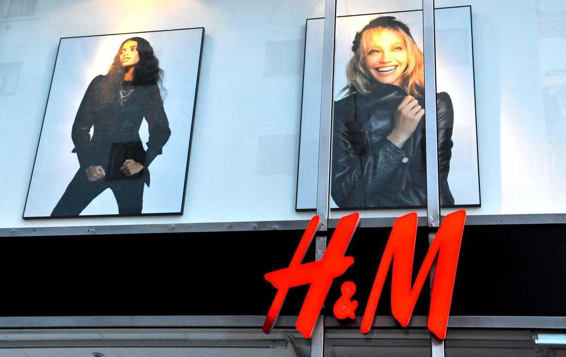 Även H&M har avslöjats med att bränna upp tonvis med kläder i Sverige och Danmark.