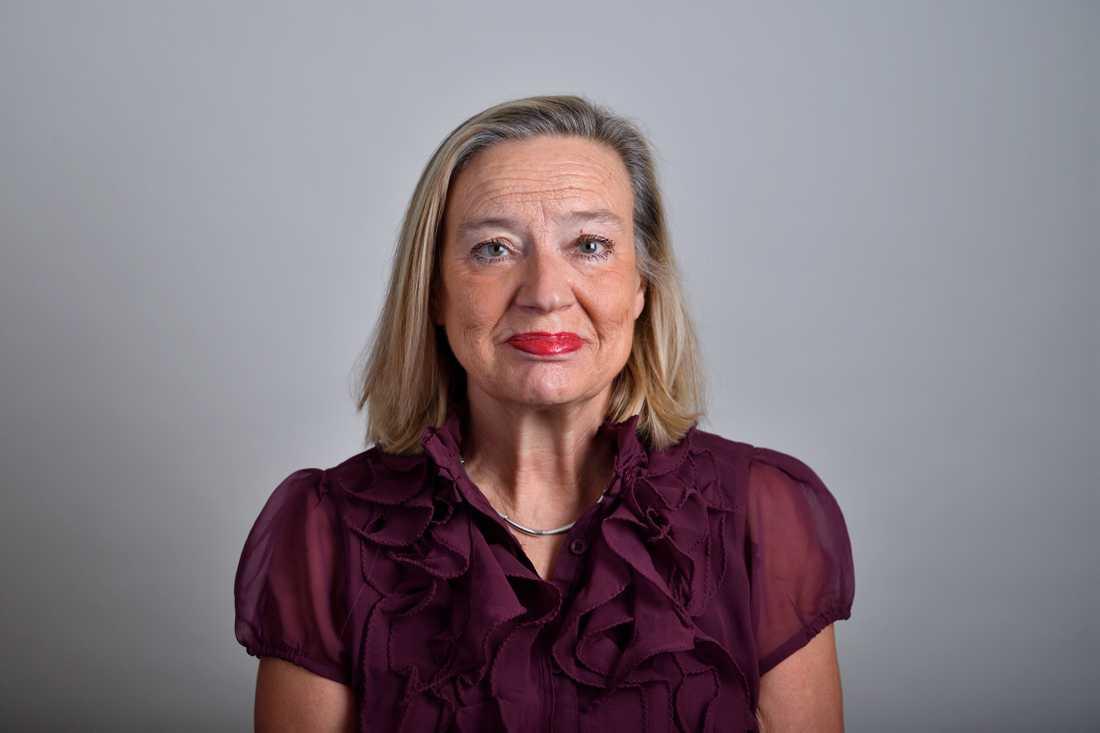 – Idag jagar polisen gatunarkomaner, det vore bättre att jaga de som är högre upp i näringskedjan, säger Karin Rågsjö (V), talesperson i vårdfrågor.