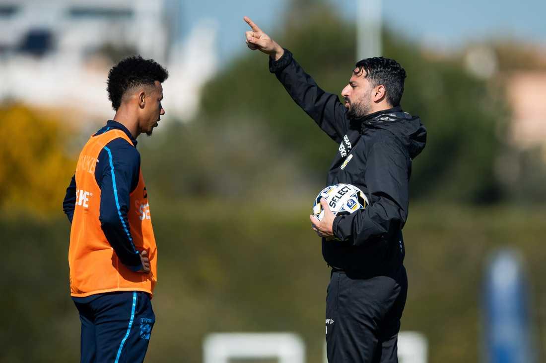 Tobias Sana och tränare Poya Asbaghi.