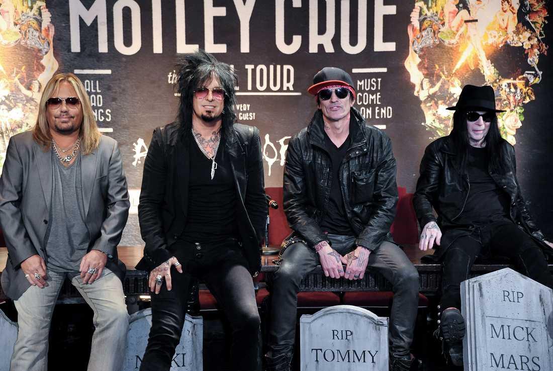 Mötley Crüe vid presskonferensen där de avslöjade att de inte skulle turnéra mer.
