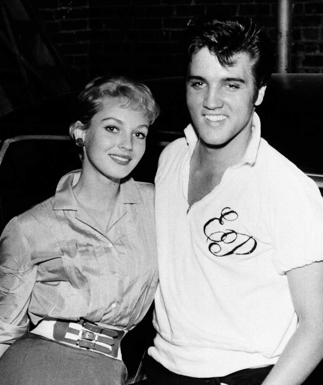 Elvis Presley med skådespelaren Venetia Stevenson.