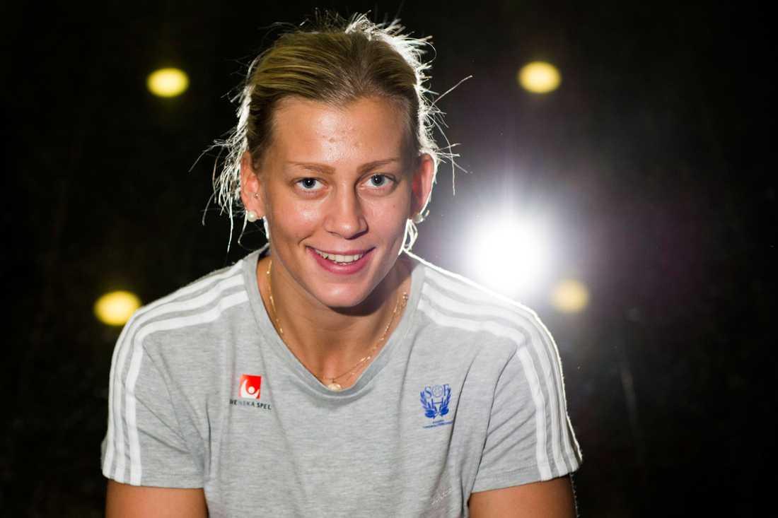 Nathalie Hagman Ålder: 23. Position: Högersexa. Klubb: Team Tvis Holstebro