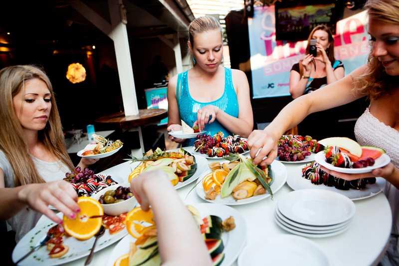 Häjdpunkten i Västerås var såklart Girls Night där det bjöds på vin och tilltugg samtidigt som Sofi Fahrman höll i modevisning.