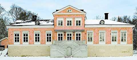 Victoria och Daniel har enligt Aftonbladets källor redan börjat leta bostad. Ett hett tips är att de bygger sitt gemensamma bo i Villa Beylon vid Ulriksdals slott.