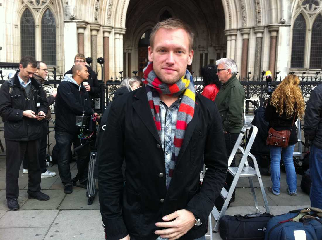 Aftonbladets Torbjörn Ek är på plats vid the High Court i London.