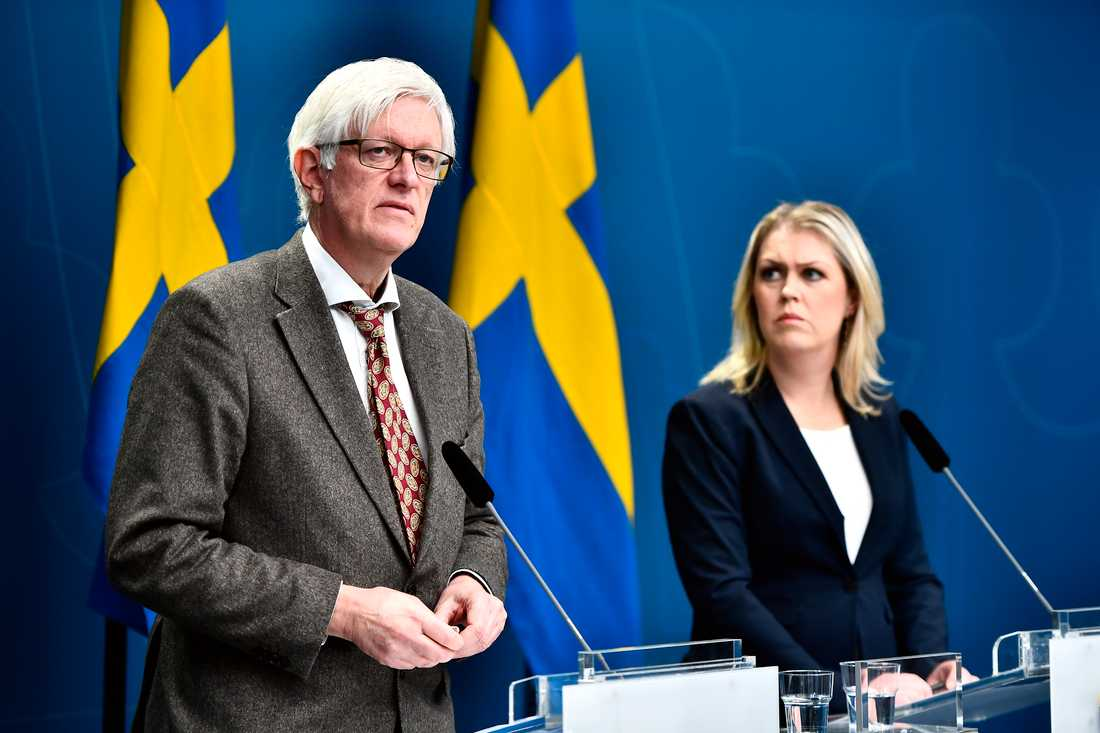 SocialministerLena Hallengrenhöll pressträff tillsammans medFolkhälsomyndighetensgeneraldirektörJohan Carlsonpå tisdagseftermiddagen.