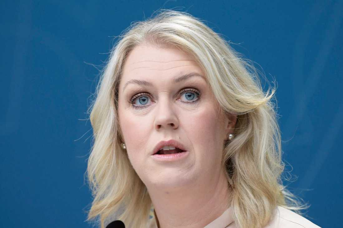 Socialminister Lena Hallengren (S) får grönt ljus av Lagrådet för sitt assistansförslag för barn med stora behov av hjälp med andning och sondmatningen. Arkivbild.