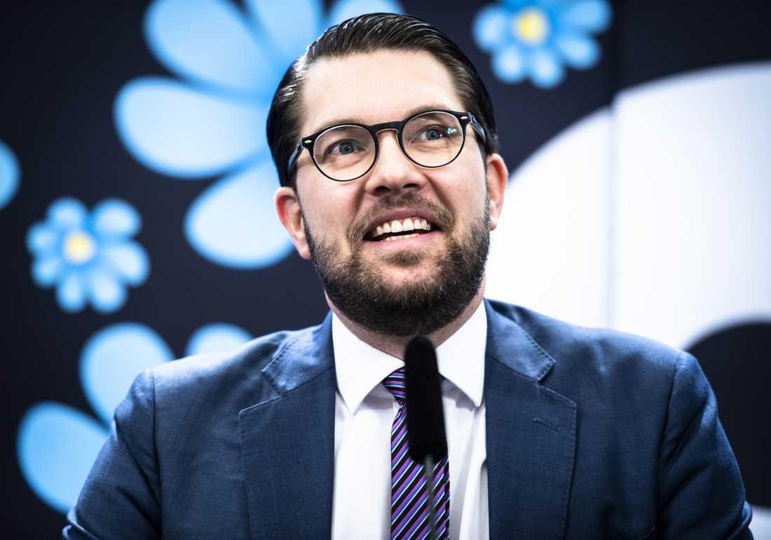 Jimmie Åkessons parti är nu störst i Sverige
