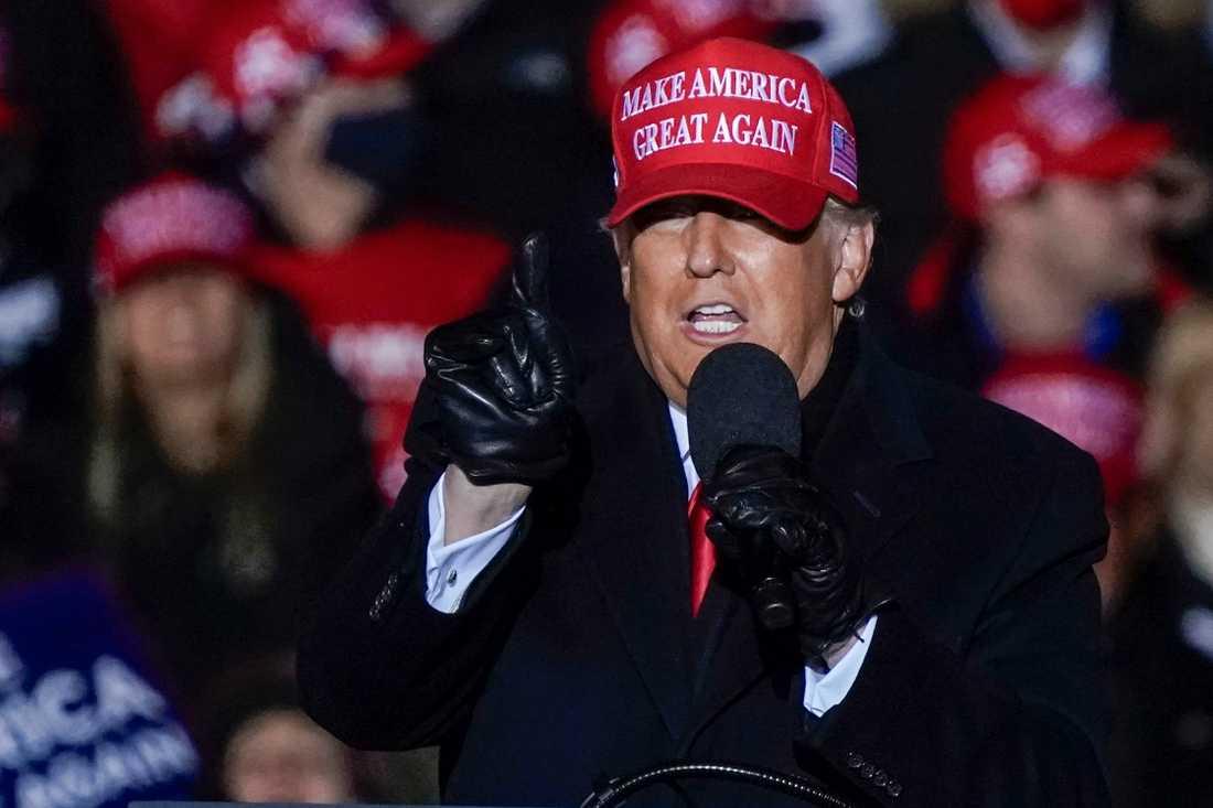 Donald Trump på ett kampanjmöte under måndagen.