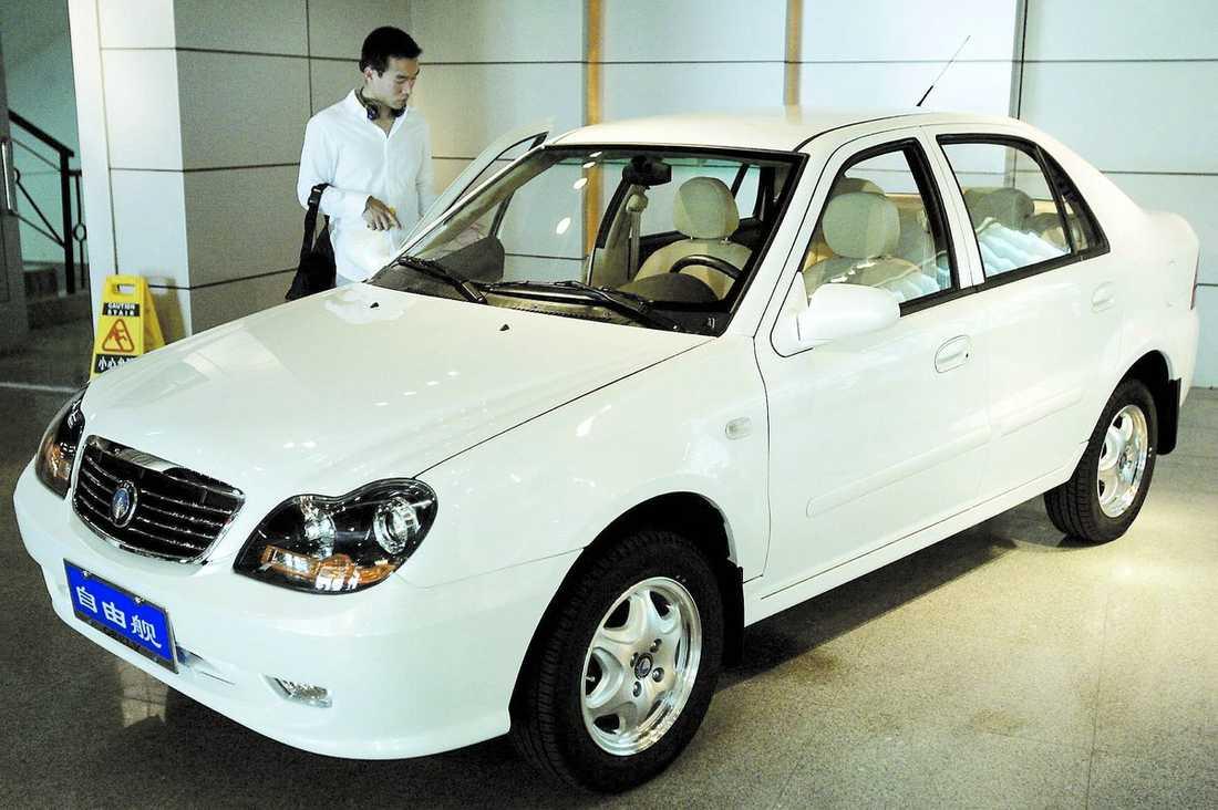 Geely – ett lågprismärke Enligt uppgifter köper Kinesiska Geely Volvo och då ska deras lågprisbilar även tillverkas i Sverige.