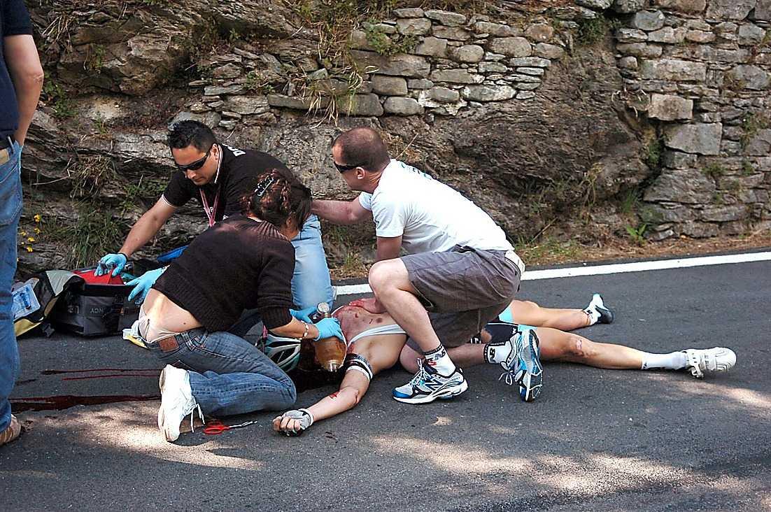 KRASCHADE Belgaren Wouter Weylandt tappade kontrollen över sin cykel och kraschade i 60 km/h. Han avled strax därefter.
